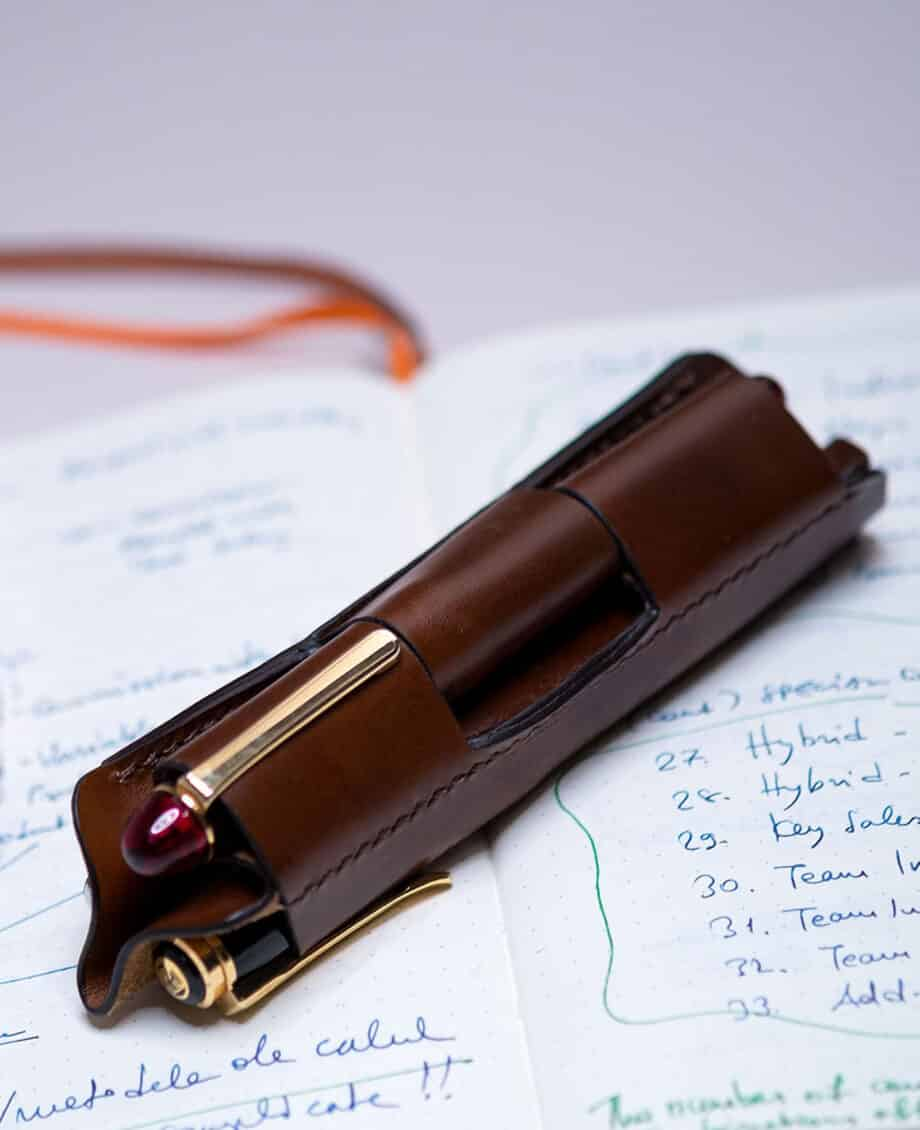 "Leather pen sleeve for three fountain pens ""Commando"" Walnut"