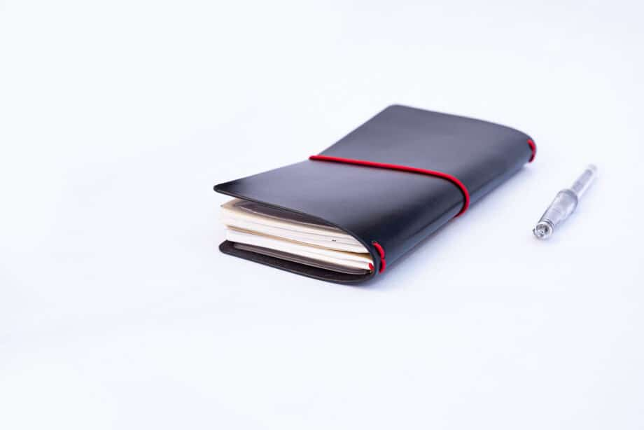 Traveler's Notebook Cover - Black English Bridle Leather